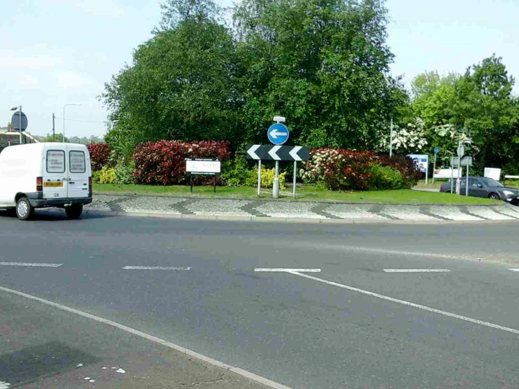 Springwood Drive Roundabout